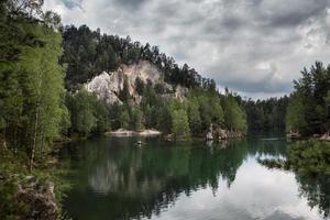 Nationalpark der Adrspach-Teplice-Felsen. Rockstadt. Tschechien foto