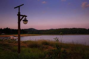 Lampe einsamer Wildnissee