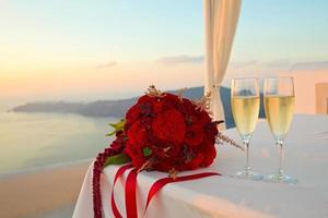 Blumenstrauß und Champagner