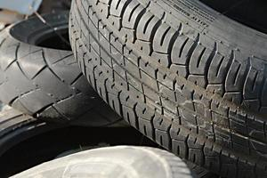 Reifen weggetrommelt foto