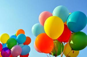 mehrfarbige Luftballons foto