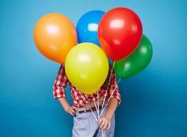 Mädchen mit Luftballons foto