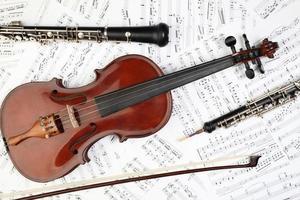 Noten klassischer Musikinstrumente foto
