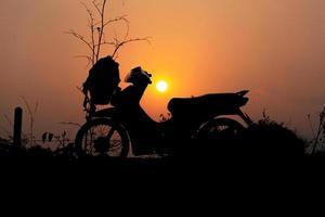 Silhouette des Motorrades foto