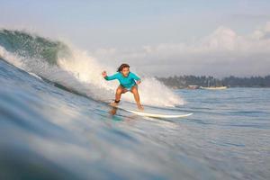Surfermädchen foto
