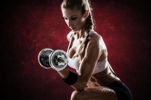 Fitness mit Hanteln foto