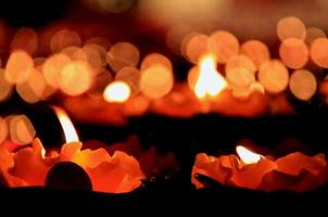 brennendes Licht und Reflexion