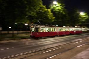 Straßenbahn in der Nacht