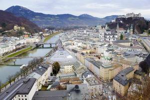 stadt salzburg in österreich foto