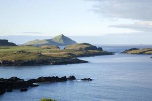 Blick auf die Skelliginseln von der Insel Valentia foto