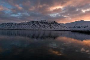 Sonnenaufgang über Grundarfjorour und Lambahnukur