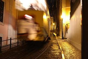 typische Straßenbahn von Lissabon, Portugal foto