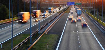 Autobahn mit kontrolliertem Zugang in Poznan, Polen foto