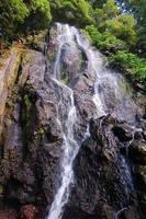 Wasserfall auf den Azoreninseln