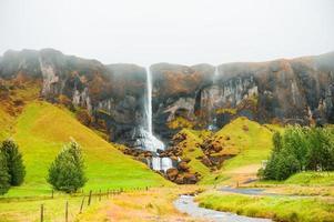 isländischer Wasserfall.