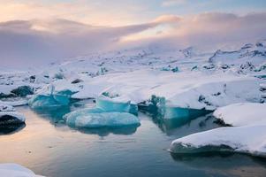 schöne blaue Lagune Jokulsaron Lagune, Island