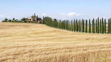 Bauernhaus in der toskanischen Landschaft