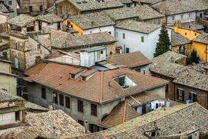 Blick über ein Dorf in der Toskana, Italien