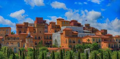 Dorf im italienischen Stil