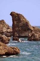 Klippen in der Nähe des Hafens in Antalya