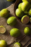 frische organische grüne Guave foto