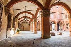 traditionelle Straßen von Bologna, Italien foto