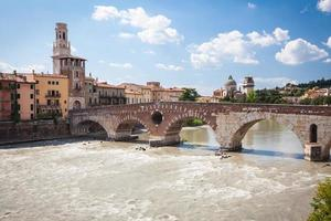 Blick auf Verona und die Etsch, Venetien, Italien