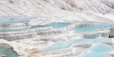 Pamukkale oder Baumwollschloss liegt in der Provinz Nevsehir im Südwesten der Türkei