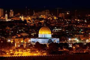 Kuppel des Felsens in Jerusalem in der Nacht