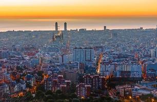 staubiges Barcelona vor Sonnenaufgang