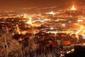 Tiflis Nacht Stadtbild foto