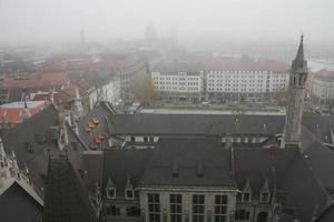 Blick auf München im Nebel 2