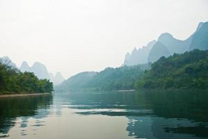 Landschaft des Flusses Li im Winter, Guilin, China