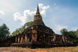 Wat Chang Lom im historischen Park Srisatchanalai in Sukhothai Pro foto