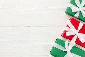 rote und grüne Weihnachtsvoreinstellungen foto