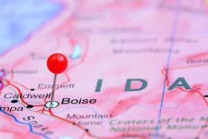 Boise auf einer Karte von USA festgesteckt foto