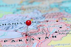 Quetta auf einer Karte von Asien festgesteckt