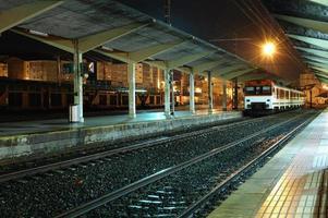 Ankunft am Bahnhof foto