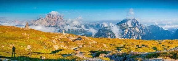 Panorama der Bergketten Seekofel und Dürrenstein