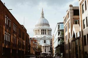 london, vereinigtes königreich, 2020 - blick auf st. Pauls Kathedrale während des Tages