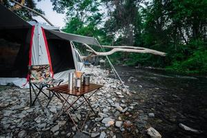Camping am Fluss