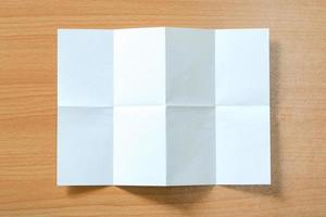 isolierter weißer Papierhintergrund