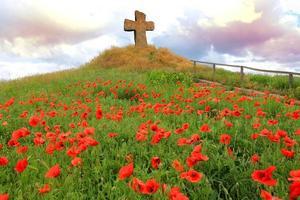 Kreuz auf Hügel