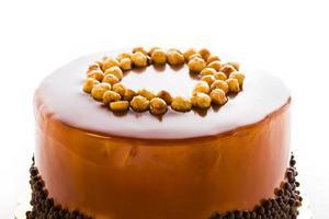 Schokoladen-, Haselnuss- und Karamellkuchen foto