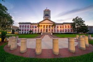 Etablierungsfoto des Florida State Capitol Building in der Innenstadt von Tallahassee