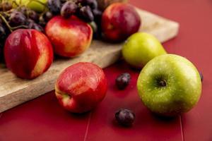 Seitenansicht von frischen Früchten foto