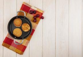 Draufsicht auf Pfannkuchen foto