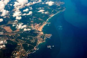Luftaufnahme aus einem Flugzeug foto