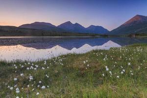 Blick auf den Bergsee. Norwegen.