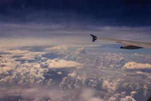 Blick auf den Himmel im Flug
